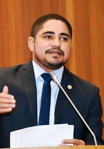 Zé Inácio, em discurso na Assembleia